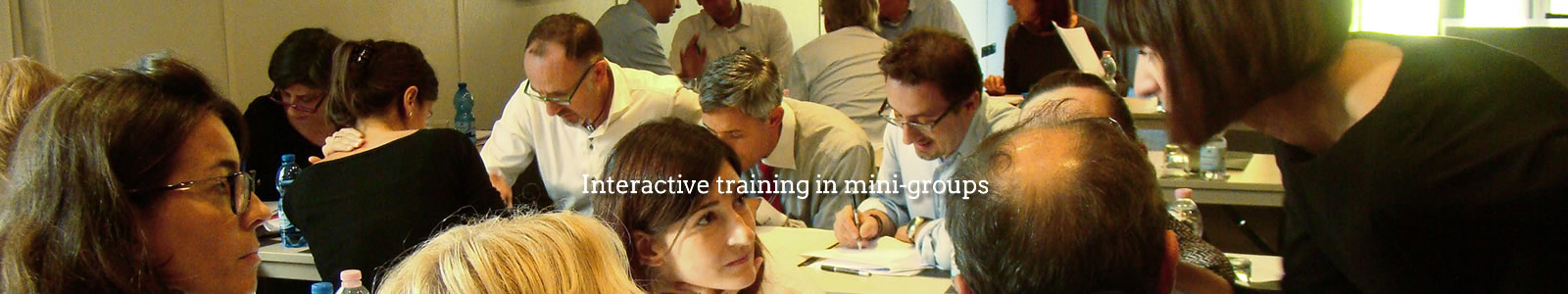Interactive training in mini-groups